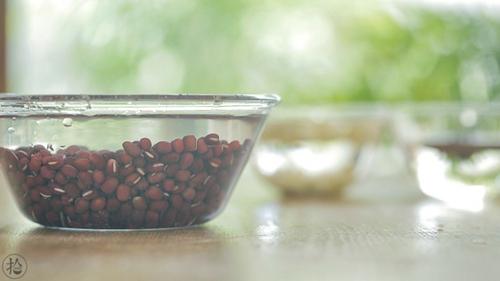 陈皮莲子红豆沙的做法图解1