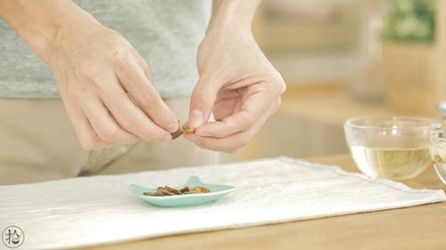 陈皮莲子红豆沙的做法图解2