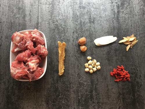 花胶玉竹肌肤汤的做法图解1