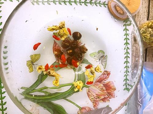 苹果桂圆红枣甜汤的做法图解3