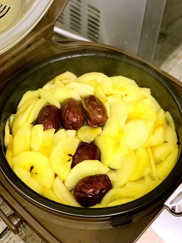 苹果桂圆红枣甜汤的做法图解4