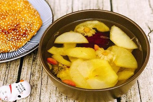 苹果桂圆红枣甜汤