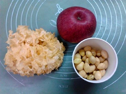 白果苹果银耳羹的做法图解6