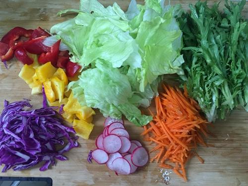 彩蔬沙拉的做法图解1