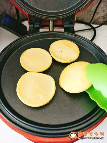 淡奶油玉米饼的做法图解8