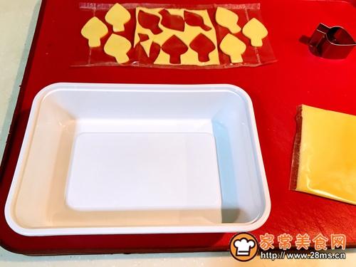 百吉福奶酪花朵三明治的做法图解3