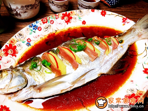 清蒸白鱼的做法图解6