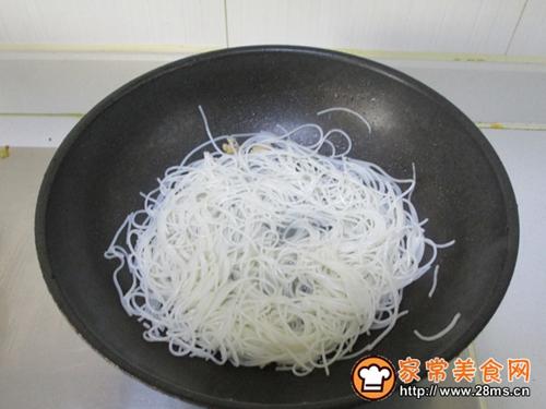 韭黄肉丝炒米粉