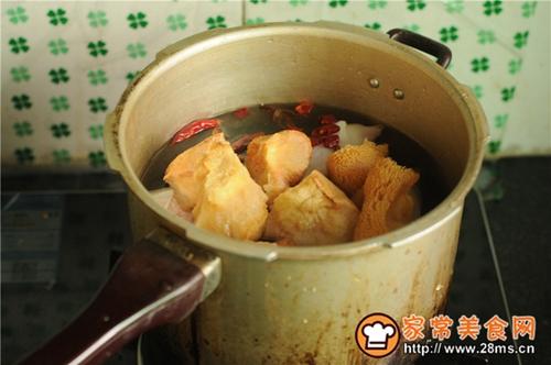 猴头菇烧猪蹄