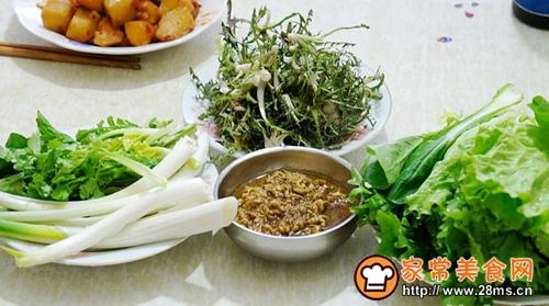 蒲公英蘸酱菜