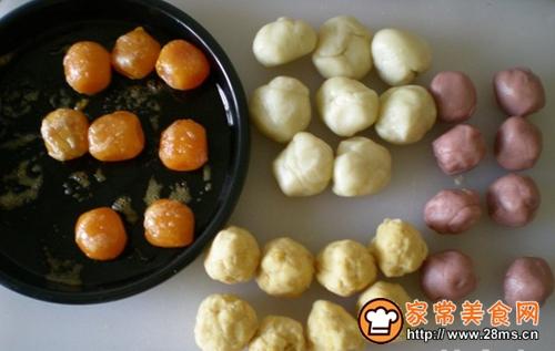 红曲粉蛋黄酥