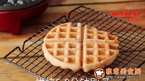 营养组合番茄培根松饼