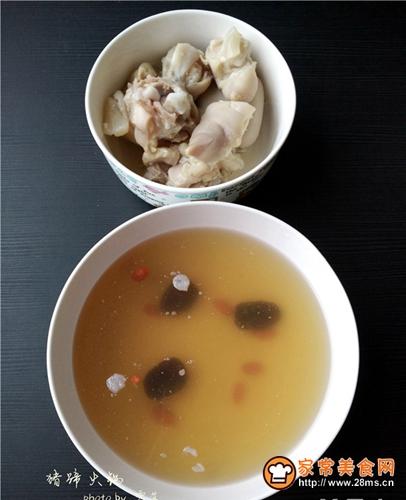 备好火锅底料:火锅花椒油500g,干牛油粉丝1袋,辣椒粉30g蛋炒辣椒图片