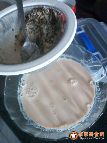 丝滑爽口香蕉奶茶的做法图解10