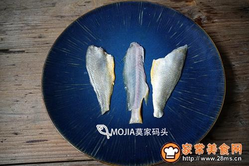 莫家码头:雪菜黄鱼面的做法图解2