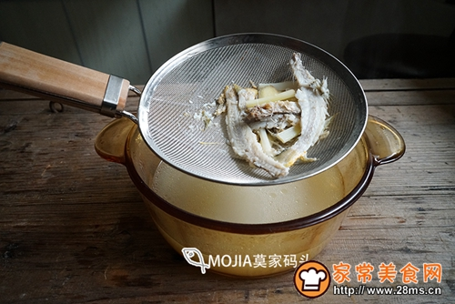 莫家码头:雪菜黄鱼面的做法图解9