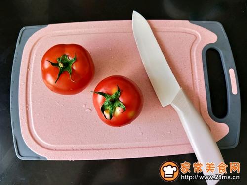 营养美味西红柿汁的做法图解1