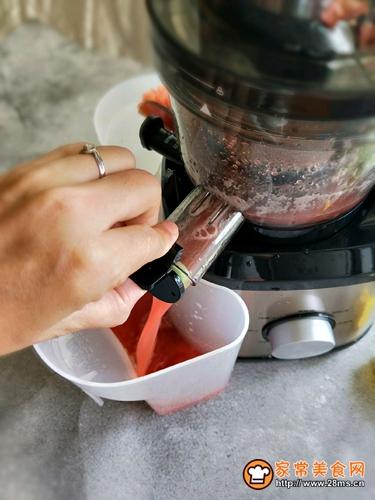 营养美味西红柿汁的做法图解6