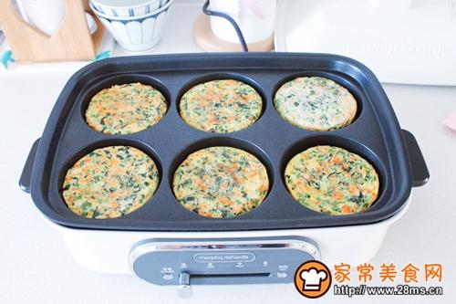 菠菜胡萝卜香葱鸡蛋饼的做法图解8