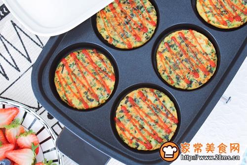 菠菜胡萝卜香葱鸡蛋饼的做法图解10