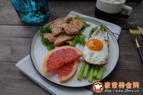 健康减脂早餐香煎鸡脯肉的做法图解4