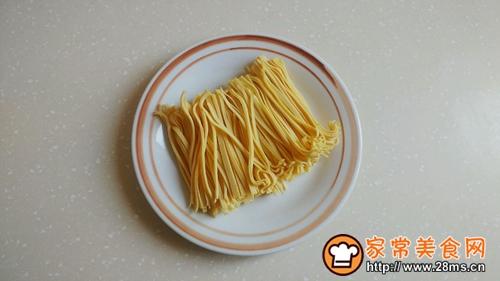 姜小白菜煮千张的做法图解1