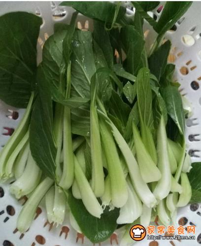 素炒小白菜的做法图解1