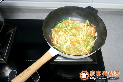 肉丝圆白菜炖粉条的做法图解6