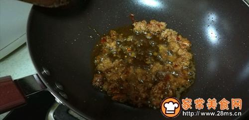 圆白菜炒饼丝十分钟快手菜的做法图解4