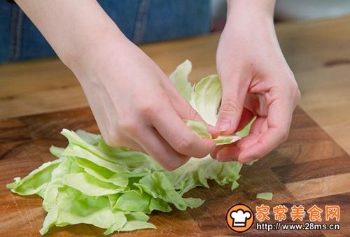 醋汁圆白菜的做法图解1