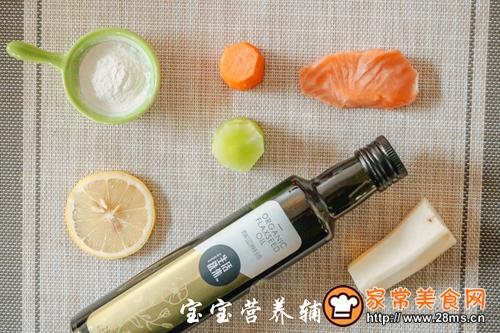 胡萝卜山药鱼饼宝宝辅食的做法图解1