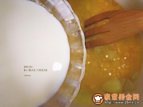 扇贝玉米羹奶油锅的做法图解4
