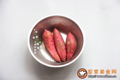 微波炉红薯的做法图解1