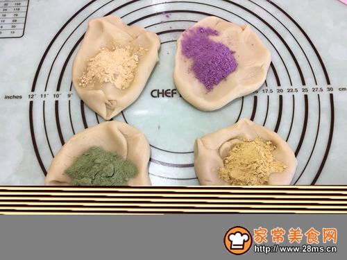 多彩桃山皮月饼的做法