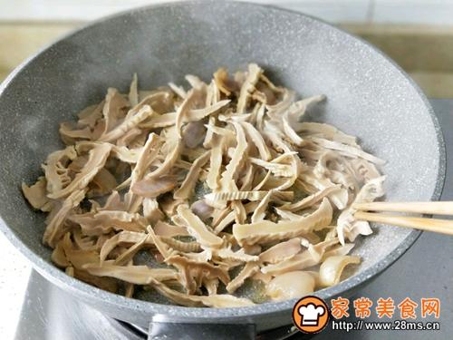 咸肉青椒炒笋干的做法图解7