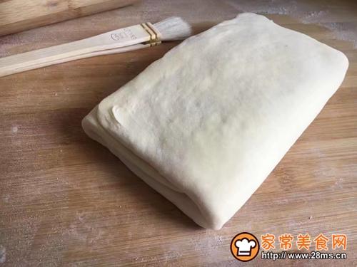 #年味十足的中式面点#天鹅榴莲酥的做法图解3