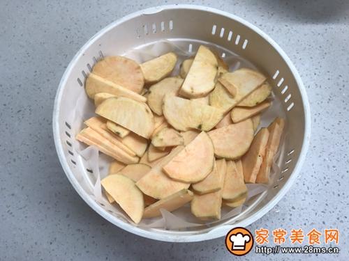 #年味十足的中式面点#芝心山楂红薯饼的做法图解2