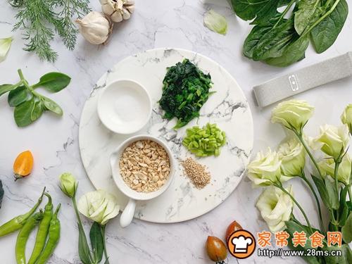 菠菜饭团(雨水节气便当)的做法图解2