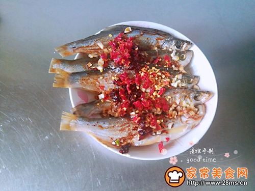 #网红美食我来做#一锅二吃快捷清蒸咸鱼的做法图解5