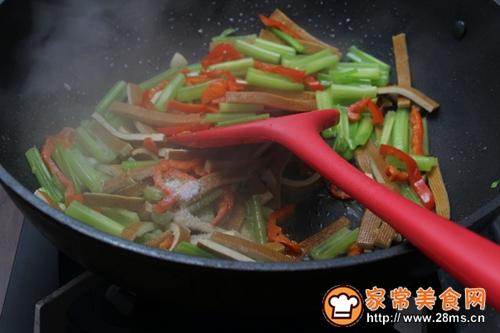 芹菜炒香干的做法图解7