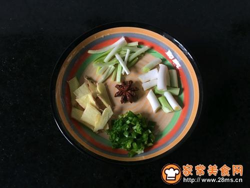 椰香粉条兔肉锅的做法图解2