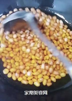 酱油炒花生米的做法步骤:2
