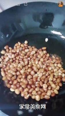 酱油炒花生米的做法步骤:5