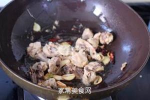 大盘鸡的做法步骤:3