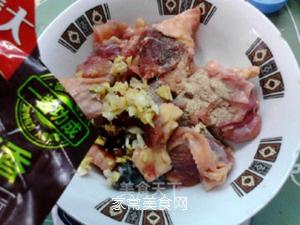 榛蘑蒸鸡的做法步骤:4