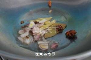 小鸡炖蘑菇的做法步骤:4