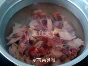 小鸡炖蘑菇的做法步骤:3