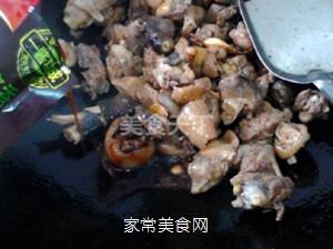 小鸡炖蘑菇的做法步骤:8