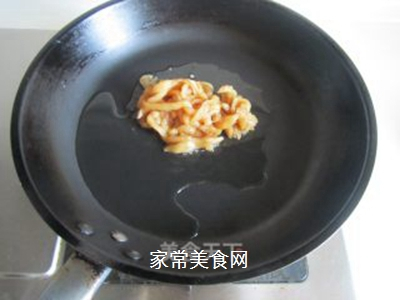 青椒榨菜干子炒鸡丝的做法步骤:3