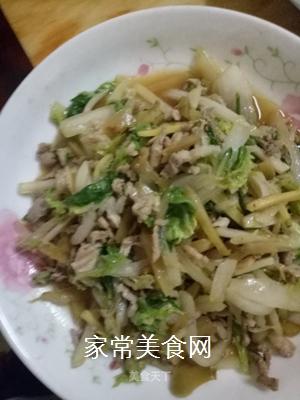 白菜榨菜炒肉片的做法